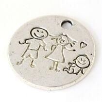 Antikolt ezüst színű családi kép kör alakú fityegő