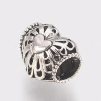 Antikolt ezüst színű szív alakú gyöngy (10x11x9mm)