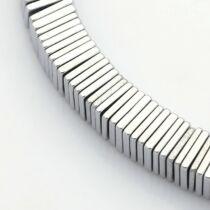 10db Antikolt ezüst színű négyzetes szintetikus hematit köztes