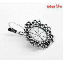 Antikolt ezüst színű díszes fülbevalóalap (10x14mm)