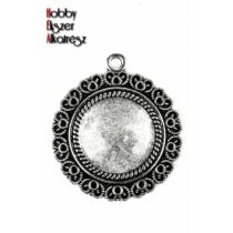 Antikolt ezüst színű szíves medálalap (20mm) hozzátartozó üveglencsével