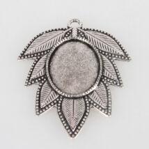 Antikolt ezüst színű leveles medálalap (18x25mm)