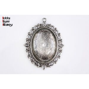 Antikolt ezüst színű díszes medálalap (30x40mm) hozzátartozó üveglencsével
