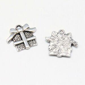 Antikolt ezüst színű karácsonyi ajándék fityegő