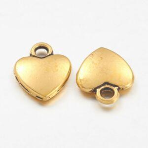 Arany színű szív alakú fityegő