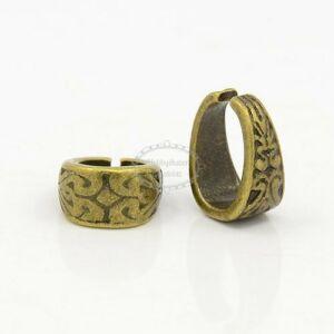 Antikolt bronz színű díszes medáltartó