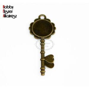 Antikolt bronz színű kulcs alakú medálalap (14mm)