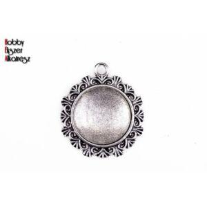 Antikolt ezüst színű reneszánsz medálalap (20mm) hozzátartozó üveglencsével