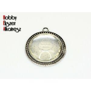 Antikolt ezüst színű pöttyös szélű medál (30mm) hozzátartozó üveglencsével