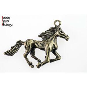 Antikolt bronz színű ló medál