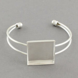 Ezüst színű négyzetes karperecalap (25x25mm)