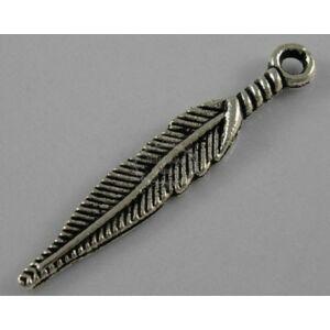 Antikolt ezüst színű indián toll fityegő