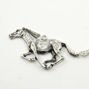 Ezüst színű ló medál