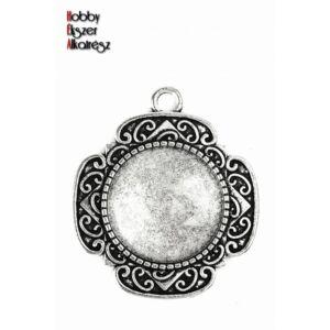 Antikolt ezüst színű díszített medálalap (20mm) hozzátartozó üveglencsével