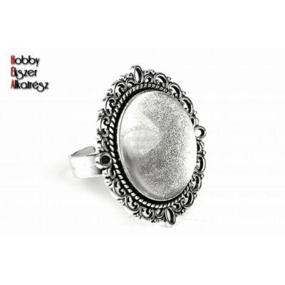 Antikolt ezüst színű díszes gyűrűalap (20mm) hozzátartozó üveglencsével