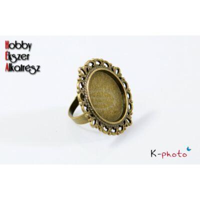 Antikolt bronz színű díszes szélű gyűrűalap (20mm)