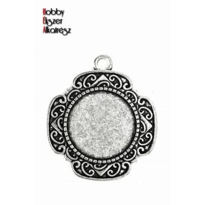 Antikolt ezüst színű díszített medálalap (20mm)