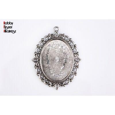 Antikolt ezüst színű díszes medálalap (30x40mm)