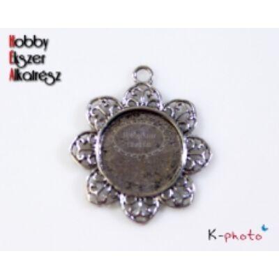 Antikolt ezüst színű virág alakú medálalap (20mm)