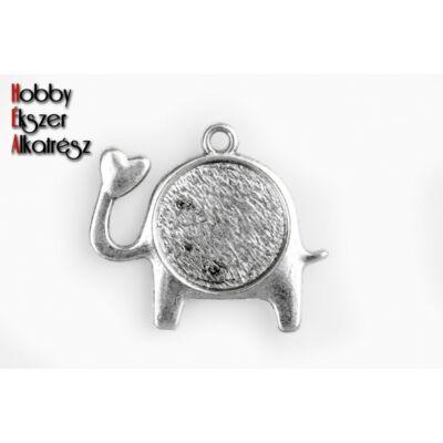 Antikolt ezüst színű elefánt alakú medál (14mm)