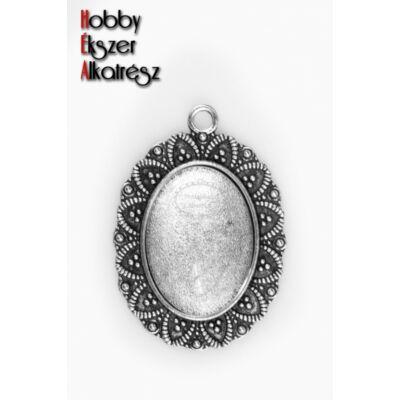 Antikolt ezüst színű leveles medálalap (18x25mm) hozzátartozó üveglencsével