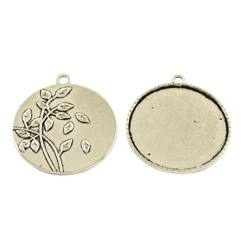Antikolt ezüst színű virágos hátú medálalap (35mm)