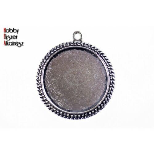 Antikolt ezüst színű pöttyös medálalap (25mm)