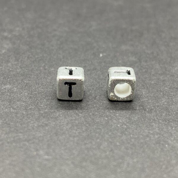 Műanyag ezüst színű t betűgyöngy (6mm)