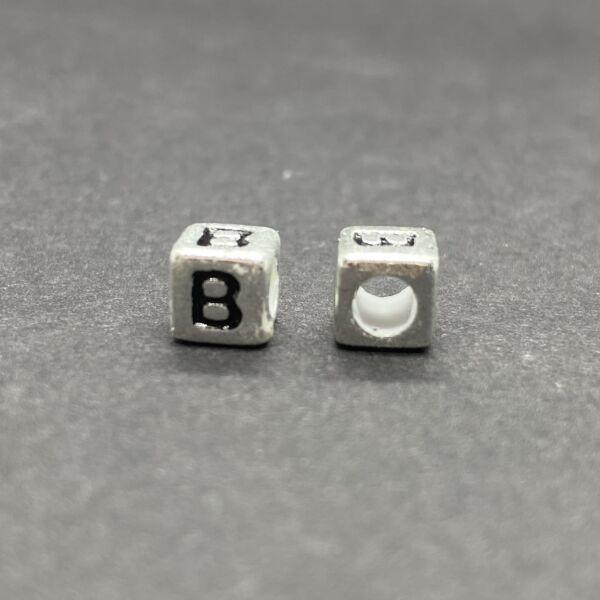 Műanyag ezüst színű b betűgyöngy (6mm)