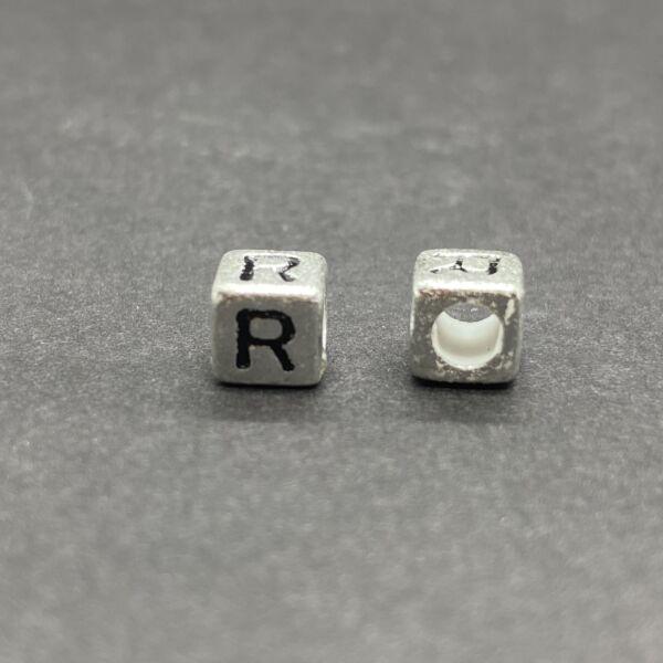 Műanyag ezüst színű r betűgyöngy (6mm)