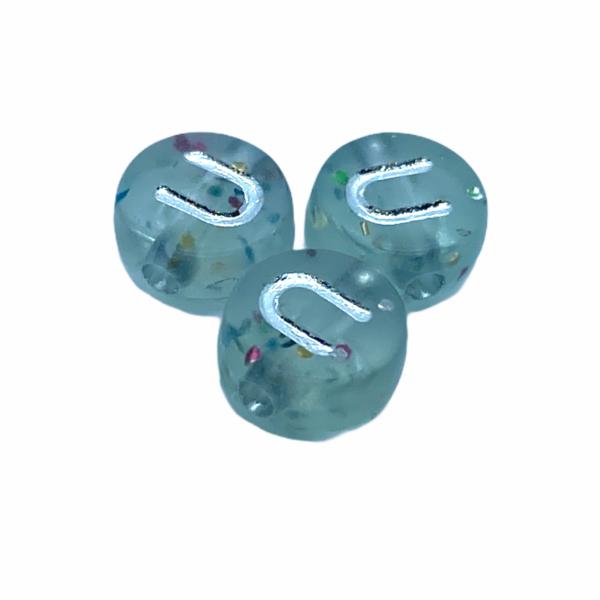 """Műanyag glitterrel díszített kör """"U"""" betűgyöngy (7mm)"""