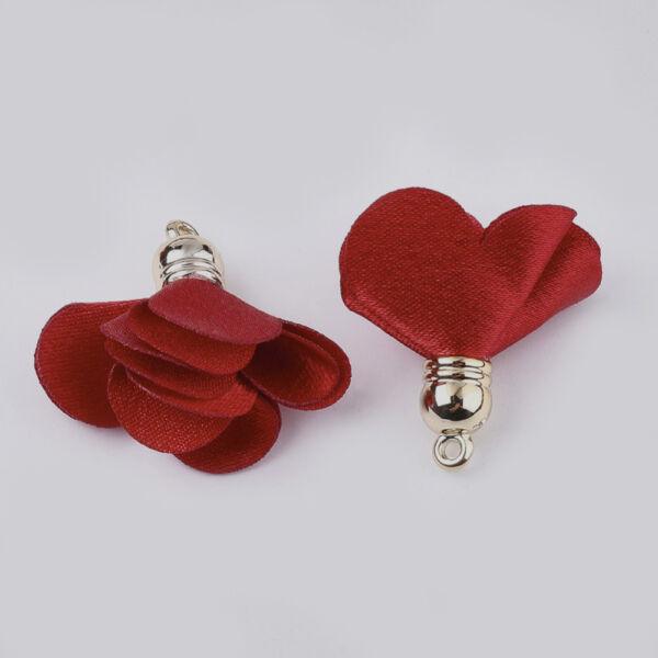 Piros színű virág alakú bojt (30x30mm)