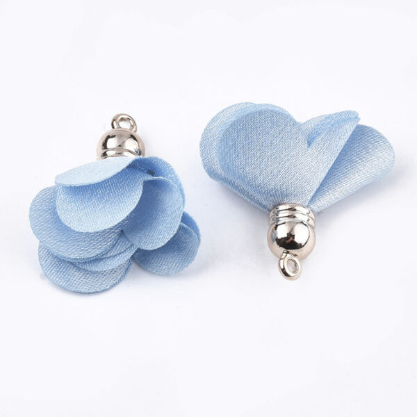 Világos kék színű virág alakú bojt (30x30mm)
