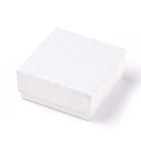 Fehér színű papír díszdoboz (7,5x7,5cm)