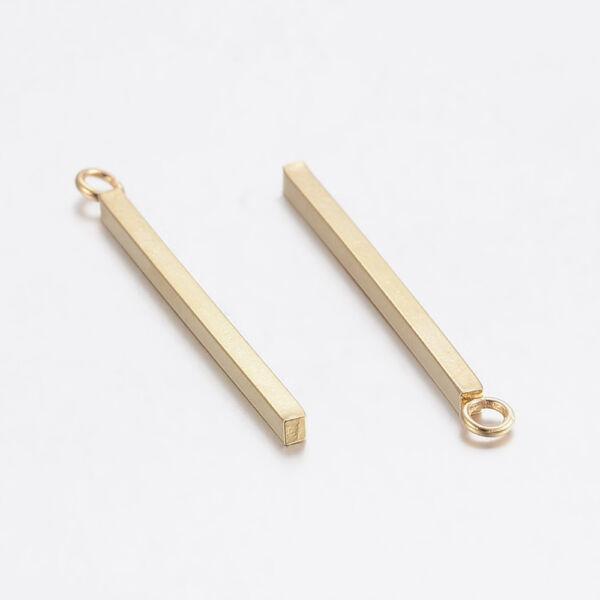 Nemesacél arany színű hosszúkás medálka, fityegő (33mm)