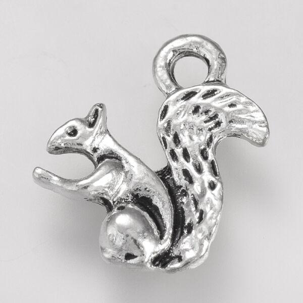 Antikolt ezüst színű mókus fityegő