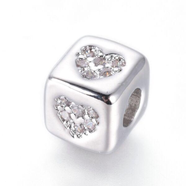 Strasszal díszített ezüst színű cirkónia gyöngy (6x6x6mm)