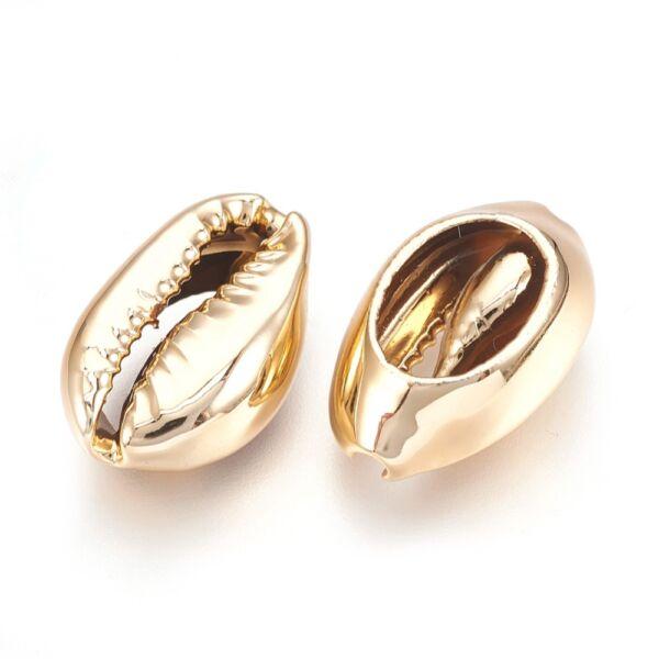 Arany színű kagylógyöngy