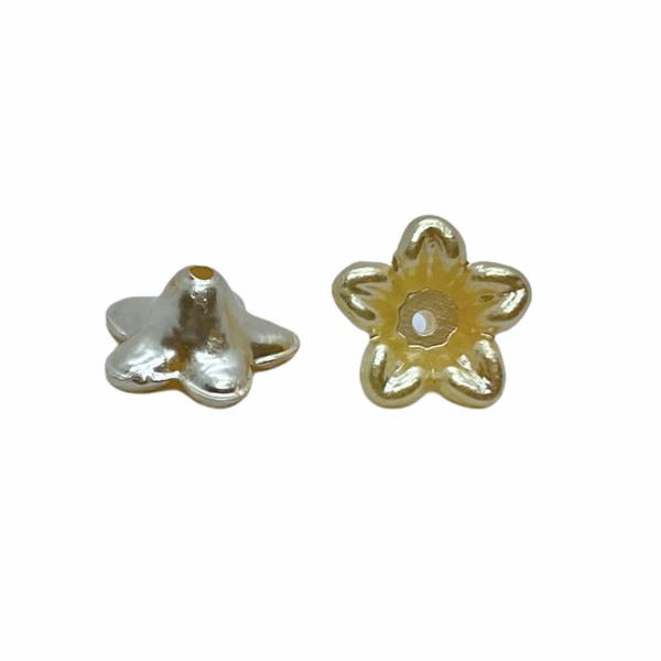 Metál világos arany színű virág (10X5mm)