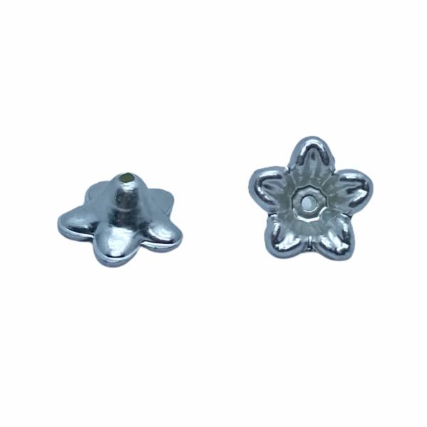 Metál ezüst színű virág (10X5mm)