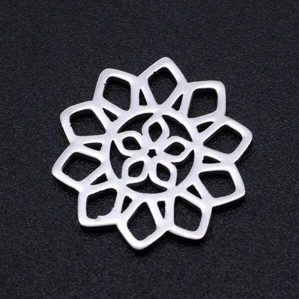 Nemesacél virág alakú kapcsolóelem (15mm)