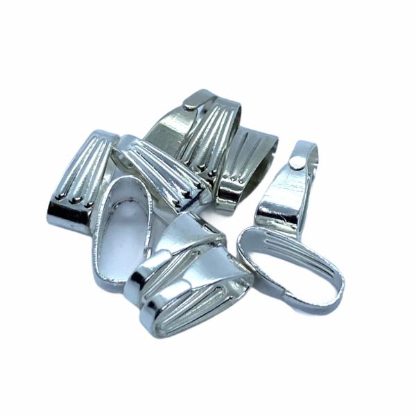 10db ezüst színű medáltartó