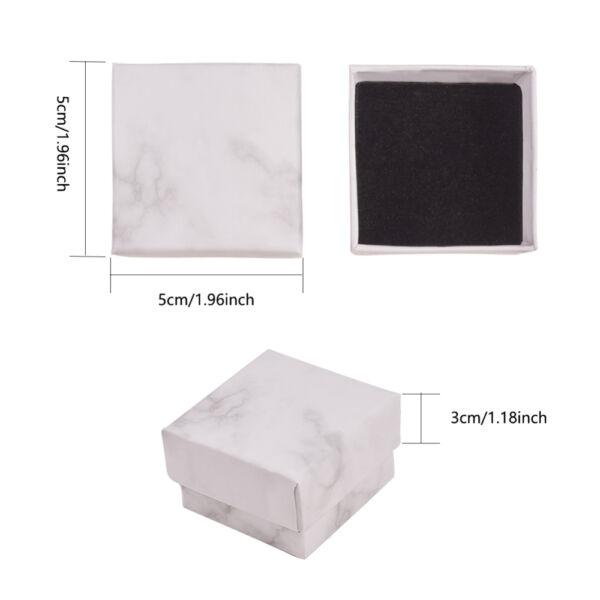 Fehér márványos papír díszdoboz (5,2x5,2x3,3cm)