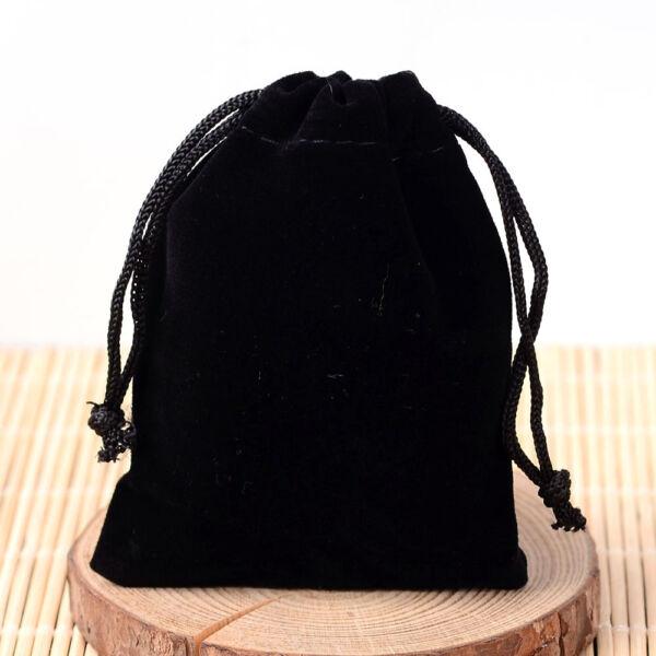 Fekete színű bársony tasak (9x7cm)