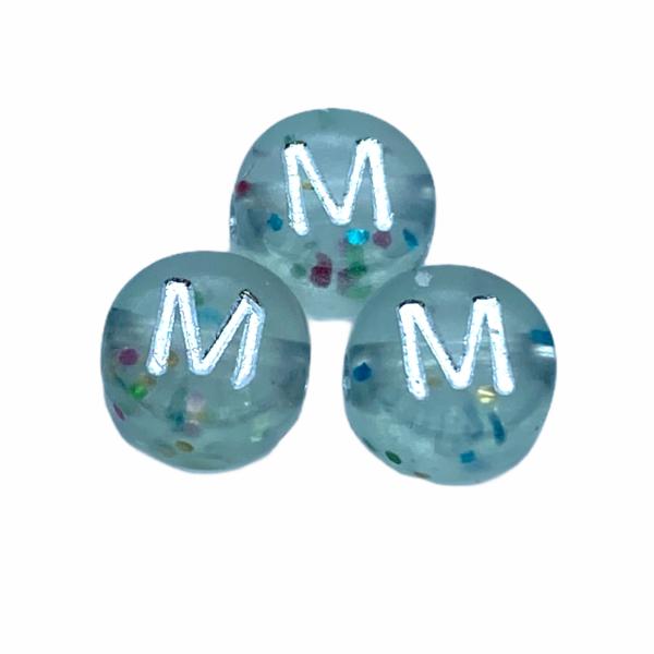 """Műanyag glitterrel díszített kör """"M"""" betűgyöngy (7mm)"""