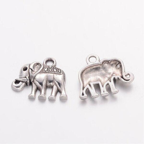 Antikolt ezüst színű elefánt fityegő