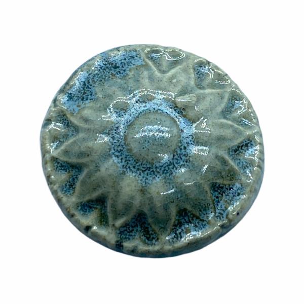 Kézműves halvány zöld, virágos porcelán korong (20mm)