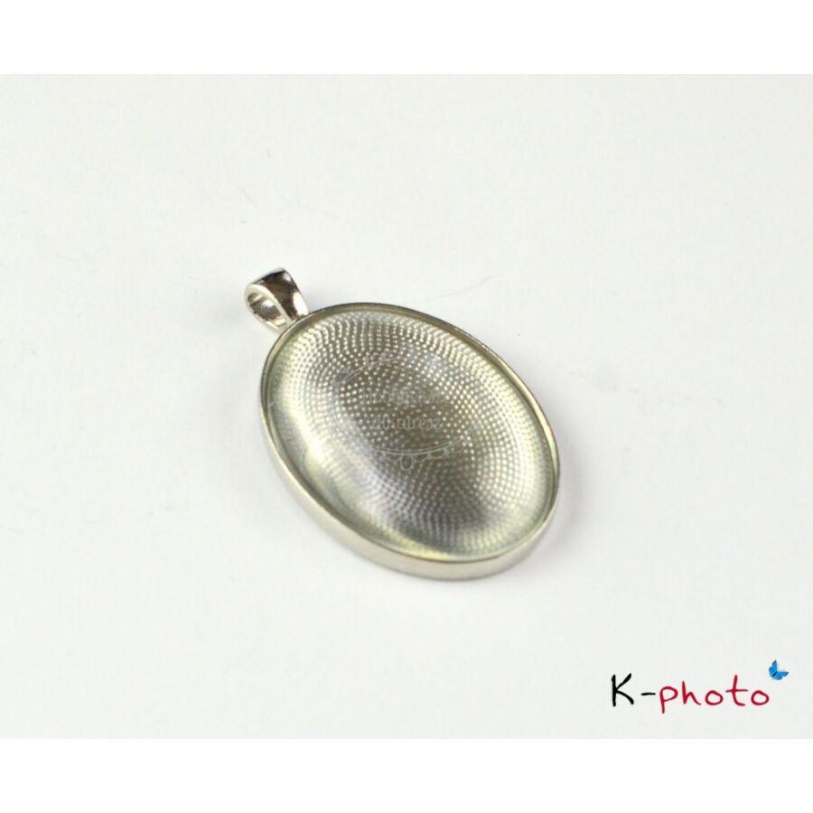 Antikolt ezüst színű sima medálalap (30x40mm) hozzátartozó üveglencsével