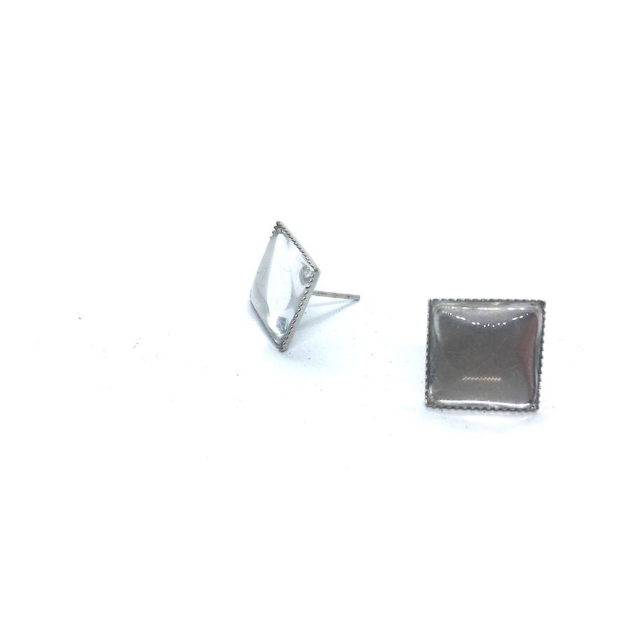 Antikolt ezüst színű négyzet fülbevaló (12x12mm) hozzátartozó üveglencsével