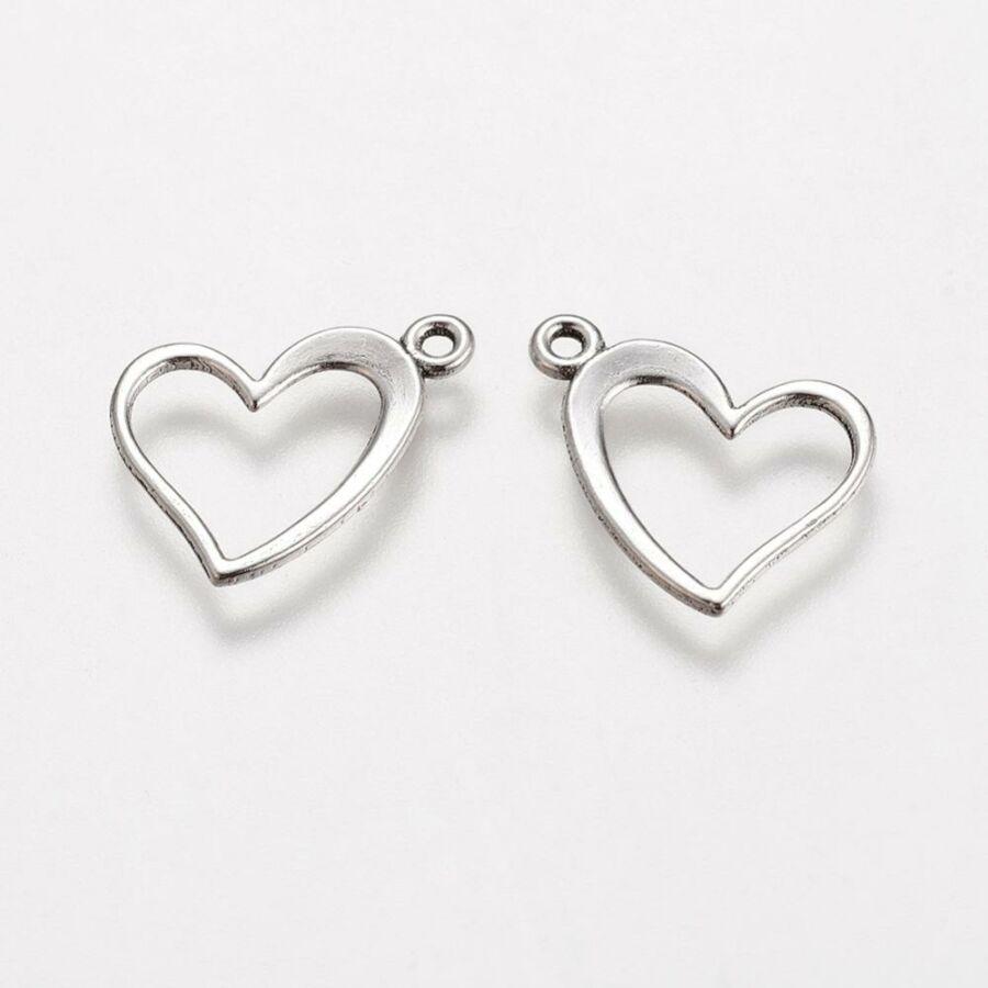 Antikolt ezüst színű  szív fityegő